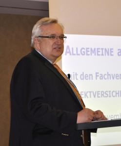 Peter Hadasch auf der aba-Herbsttagung in Koeln. Foto: Institutional Money/Punz.