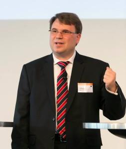 Martin Schloemer, Bayer AG, auf seinem Vortrag. Foto: EUROFORUM Dietmar Gust.