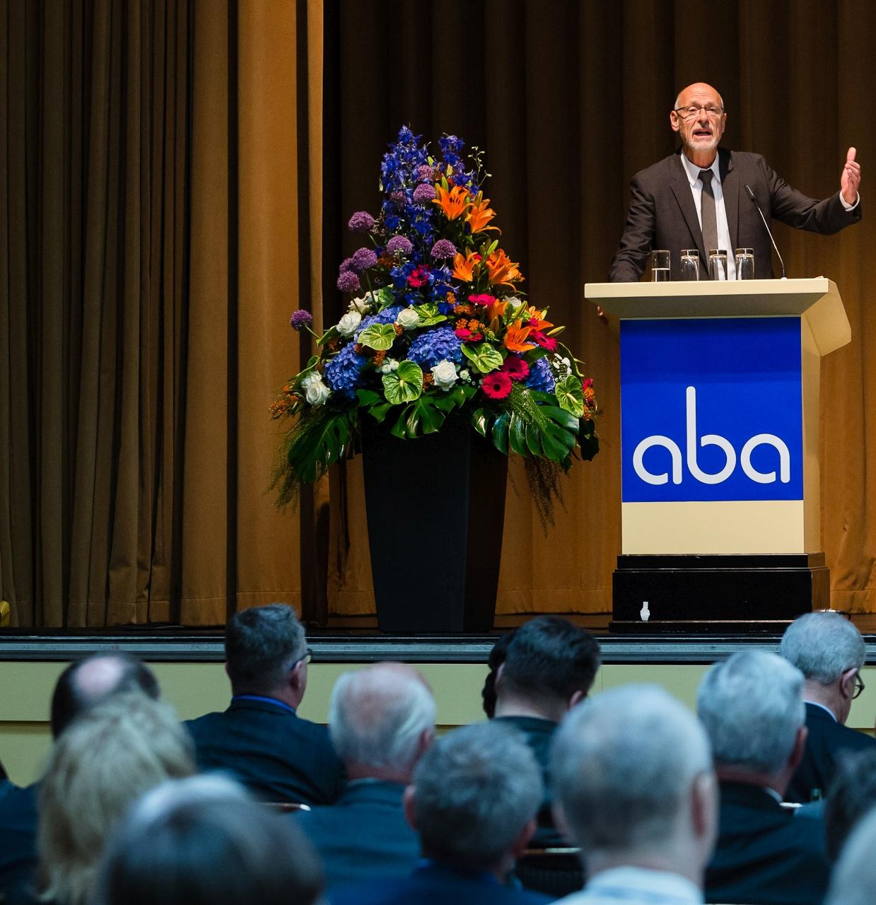 Heribert Karch während seiner Rede auf der aba-Jahrestagung am 7. Mai 2015 in Berlin. Foto: aba