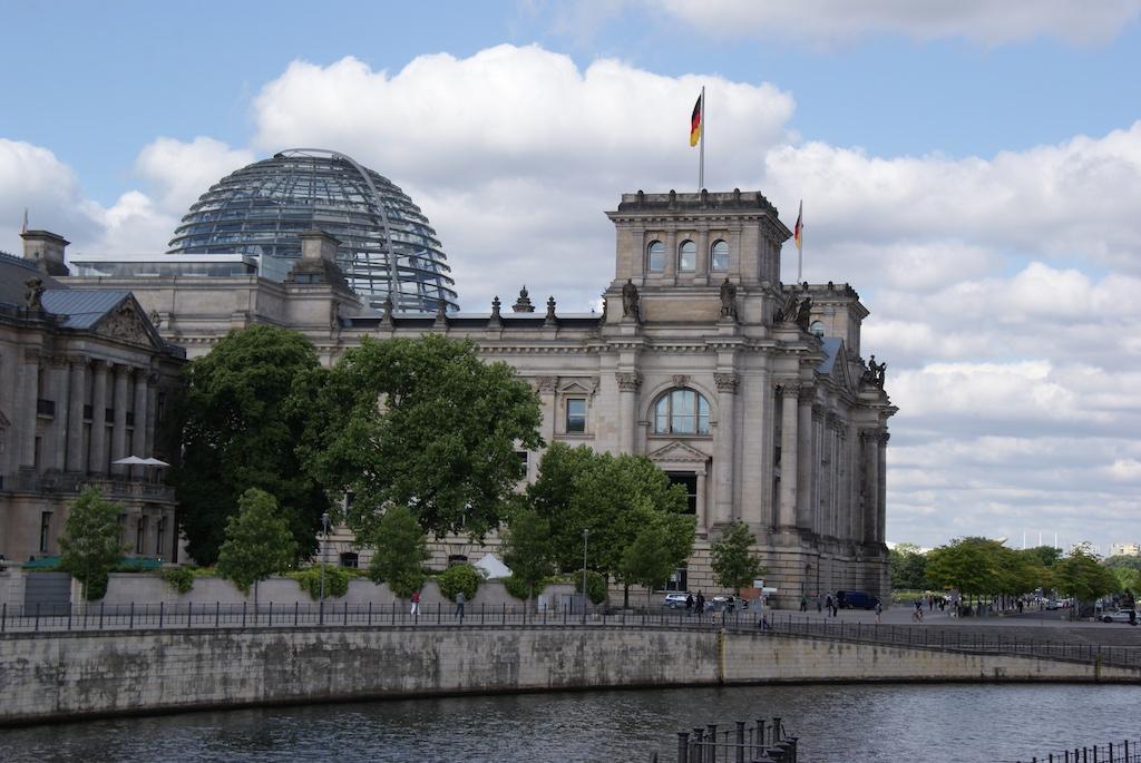 Reichstagsgebaeude in Berlin. Foto: Bruess.