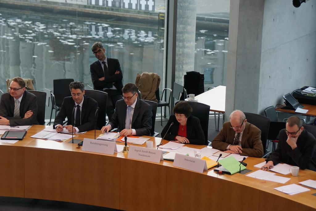 Anhoerung im BT-Finanzausschuss zur Umsetzung von OGAW-V in nationales Recht am 11. Januar in Berlin. Foto: Bruess.