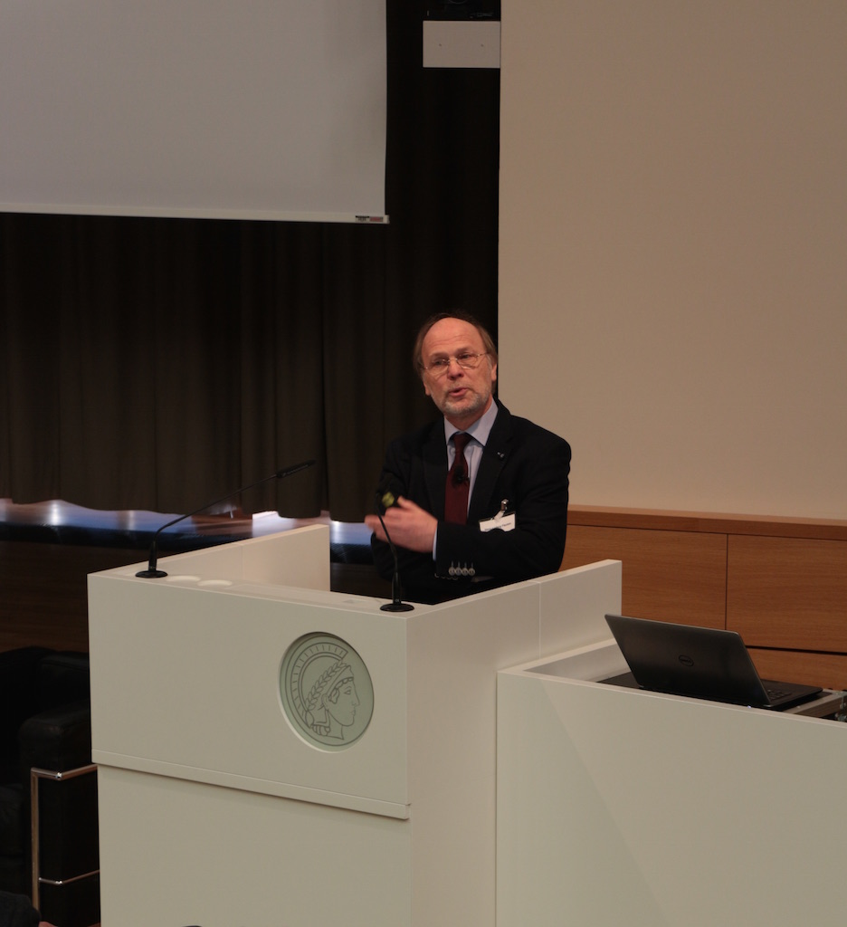 Hans Ludwig Flecken (BMAS) auf der Tagung 'Die bAV der Zukunft'  im Januar 2016 in Berlin.