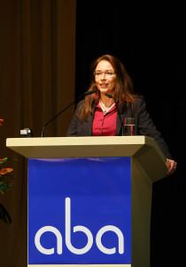 Yasmin Fahimi, beamtete StS im BMAS auf der aba-Jahrestagung am 25. April 2016 in Berlin. Foto: Sandra Wildemann.