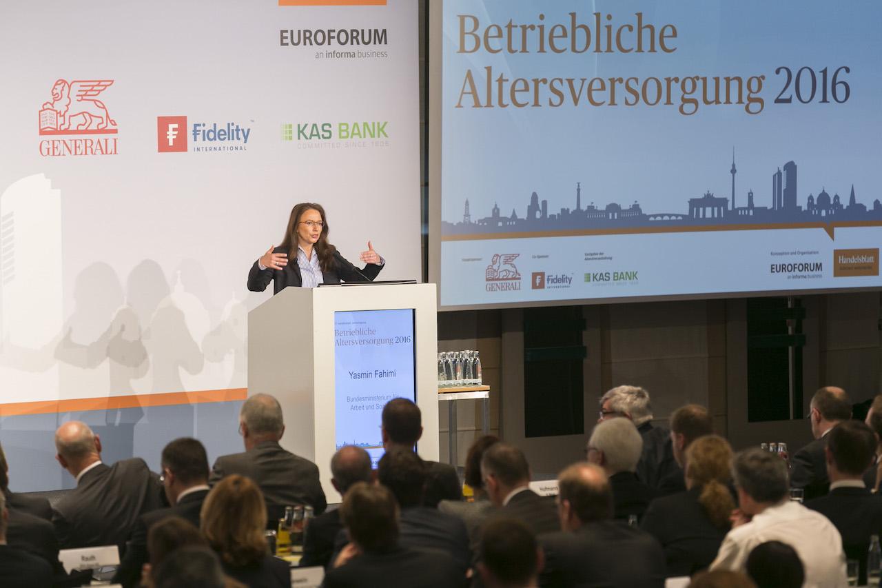 Yasmin Fahimi auf der 17. Handelsblatt Jahrestagung bAV am 5. April in Berlin. Foto: Dietmar Gust / Euroforum.