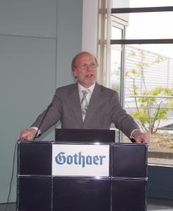 Hans-Ludwig Flecken auf der Fruehjahrstagung des VVB-Fachkreises bAV am 22. April 2016 in Koeln. Foto: Eberhardt Froitzheim.