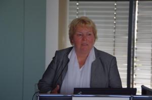 Judith Kerschbaumer (ver.di) auf der Fruehjahrstagung des VVB-Fachkreises bAV am 22. April 2016 in Koeln. Foto: Eberhardt Froitzheim.