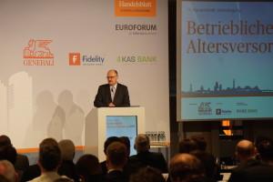 Michael Meister auf der 17. Handelsblatt Jahrestagung bAV am 5. April in Berlin. Foto: Bruess.
